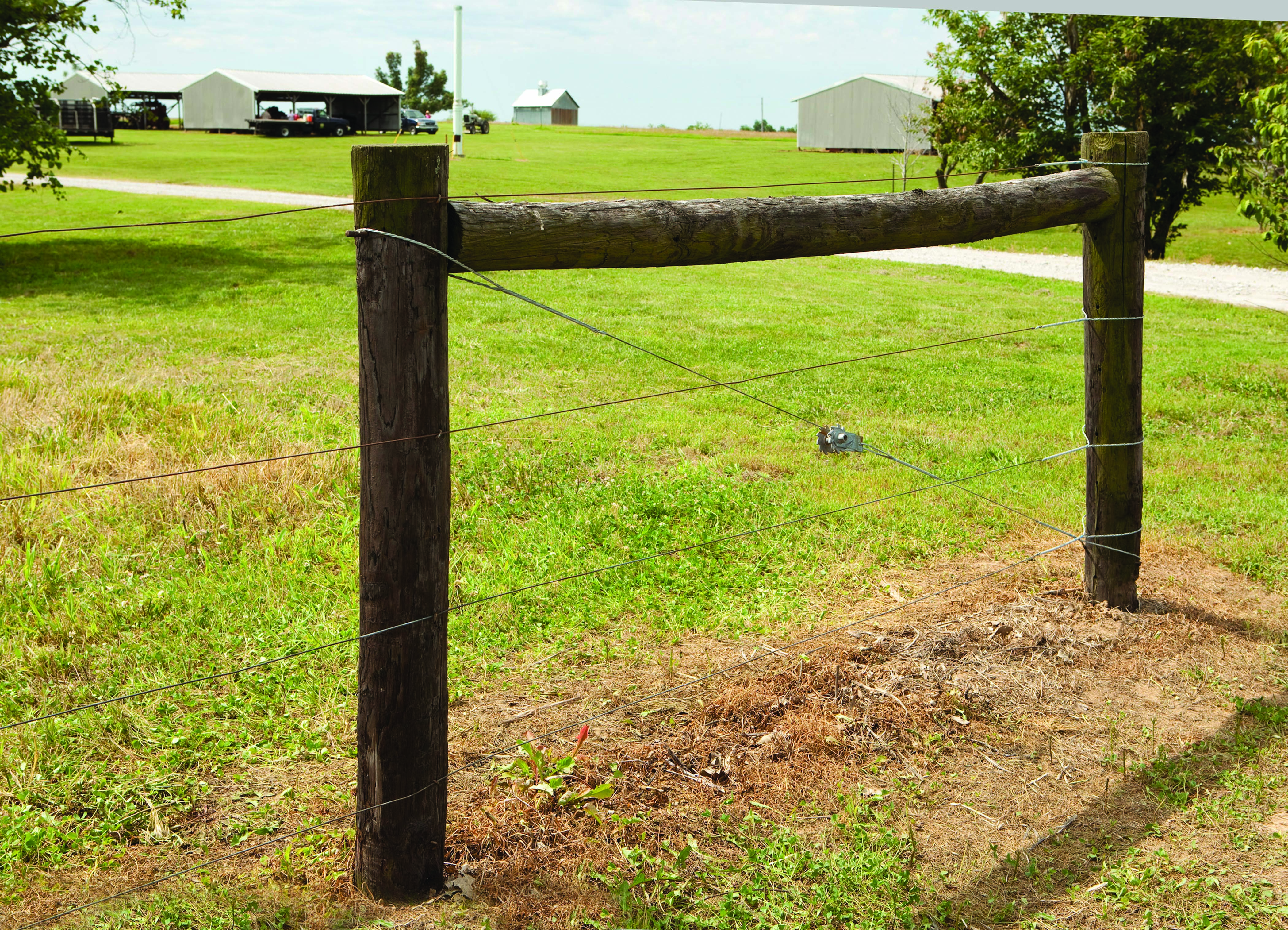 Innovative product line moves wire fence construction and