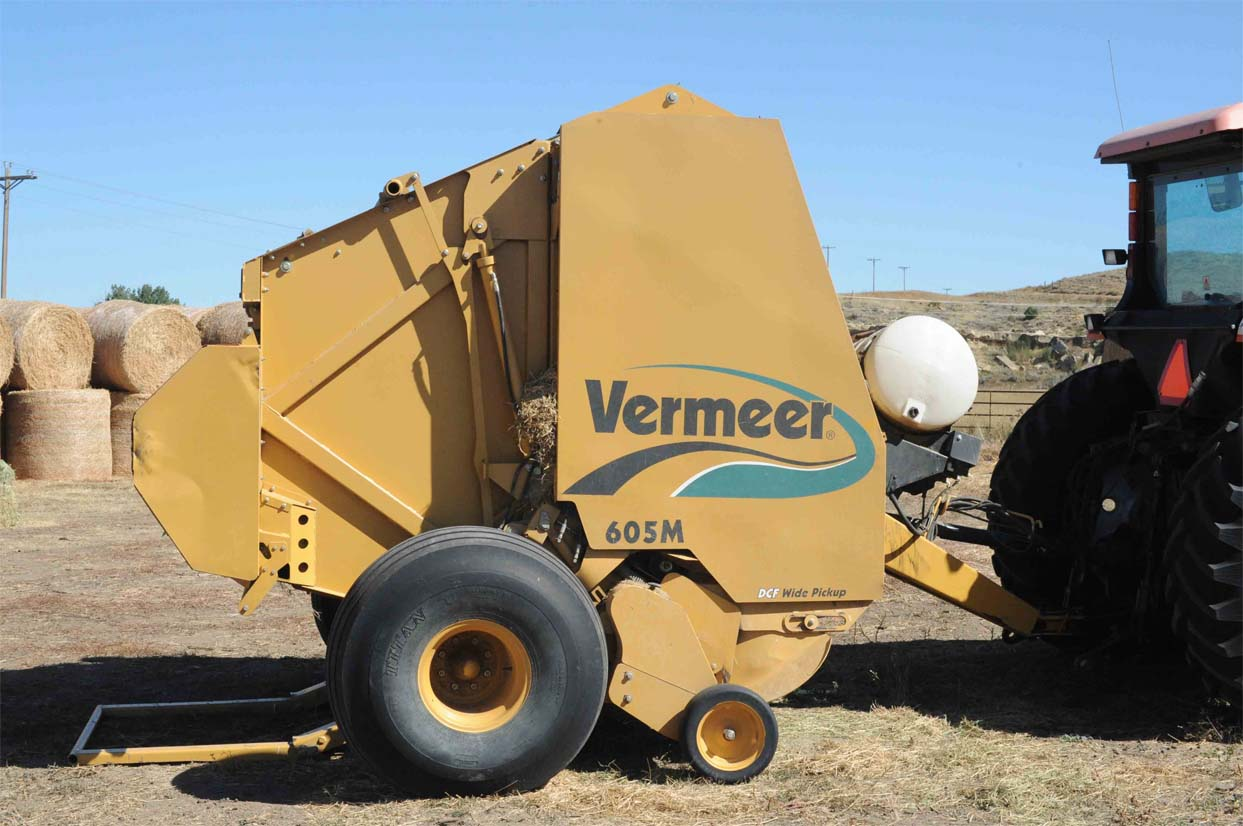 Product Spotlight: Round Balers | Farmers Hot Line
