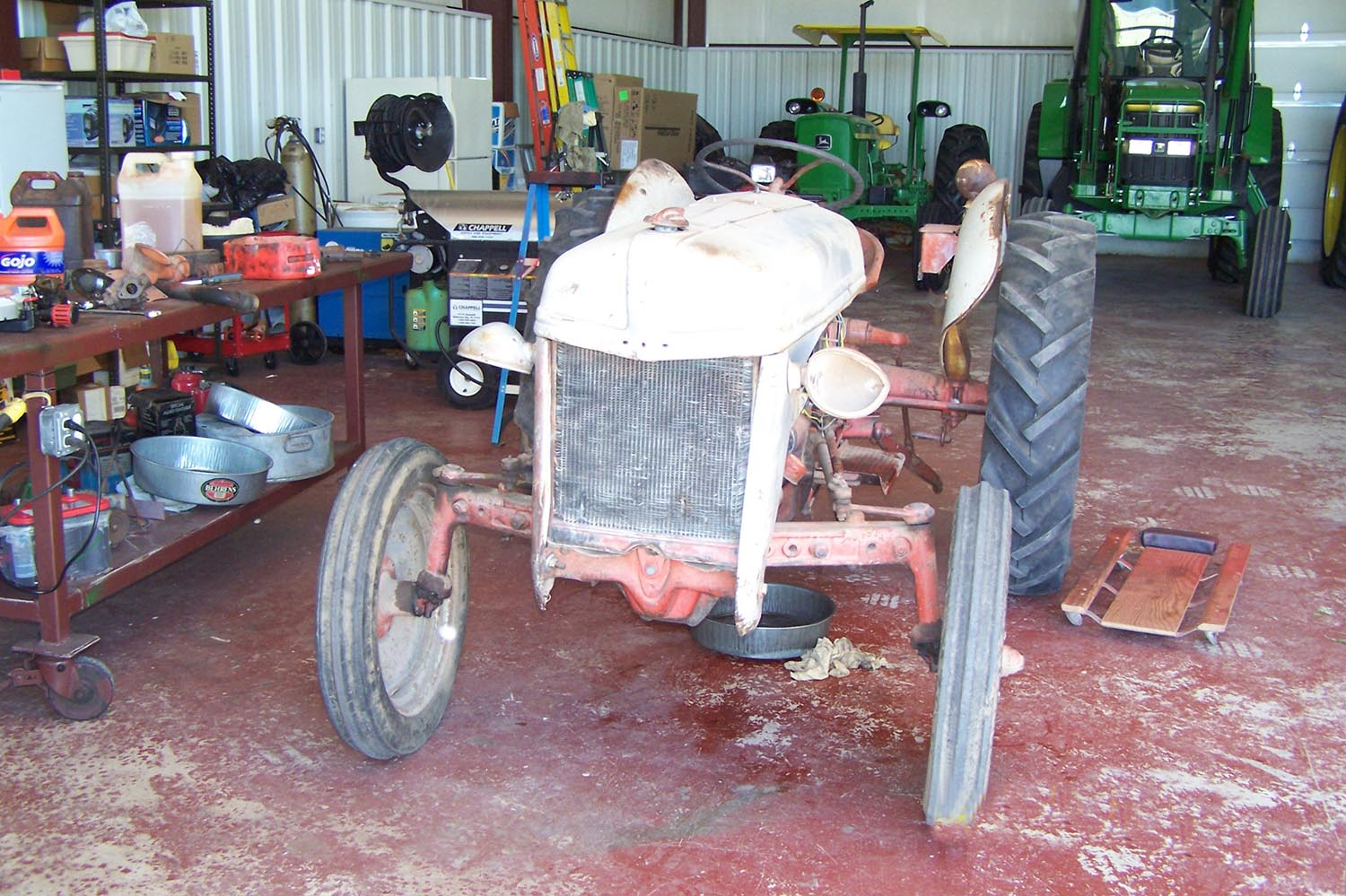 Back When 1952 Ford 8n Farmers Hot Line Tractor Lawrence Duesman Of Fletcher Oklahoma Is Pretty Stuck On Tractors He Has Restored Ten Antique And Eight Them Were Models The